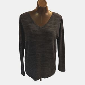 Roots Long Sleeve Top with Side Slits Size  Medium
